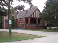 Lincoln Park Fieldhouse.JPG